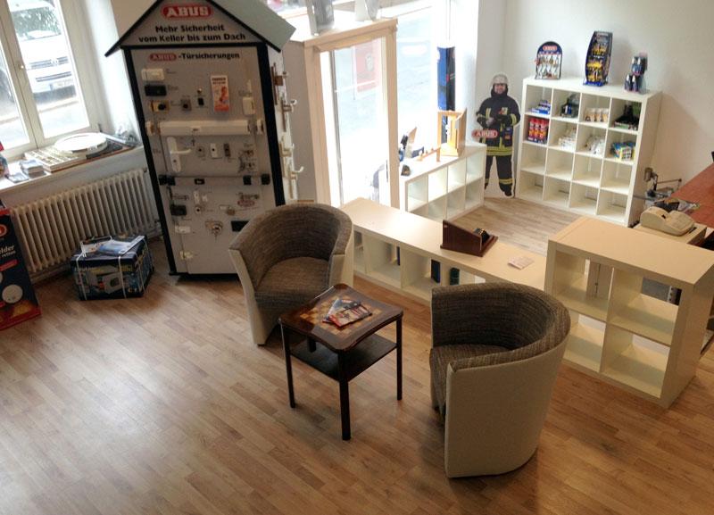 schl sseldienst leipzig lindenau 57 50 euro t r ffnungen leipzig 0341 6877865. Black Bedroom Furniture Sets. Home Design Ideas